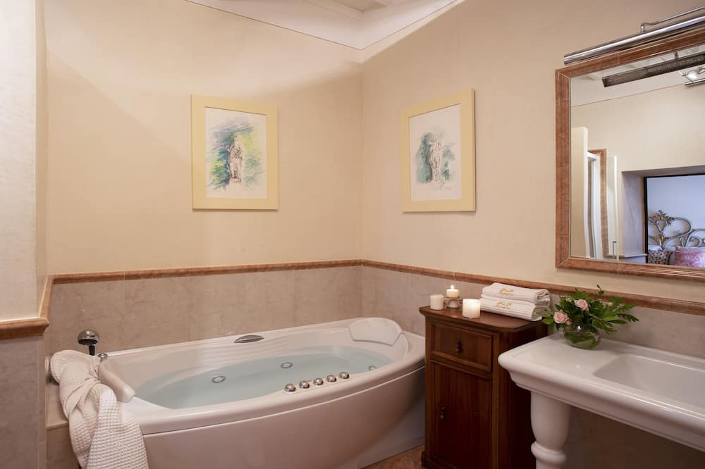 Royal Double Room, Hot Tub - Private spa tub