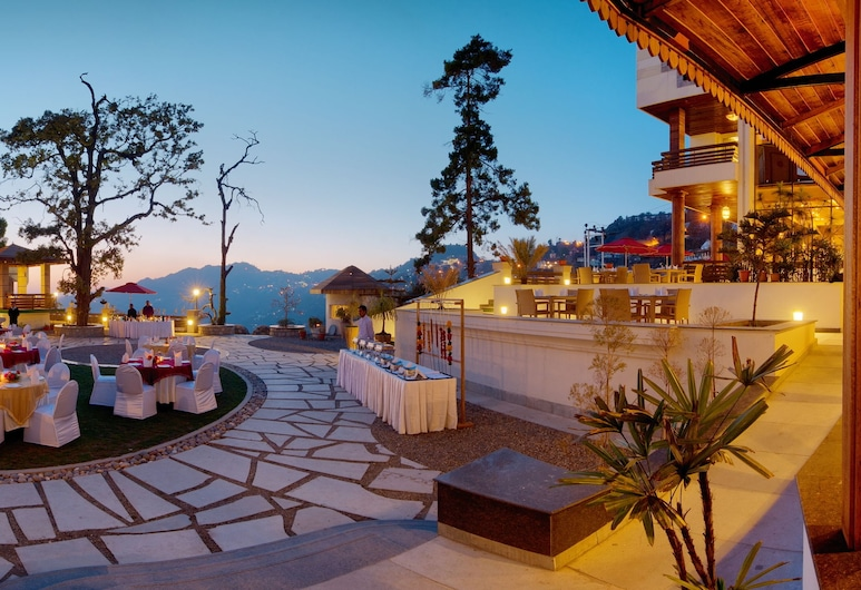 Royal Orchid Fort Resort, Mussoorie, Quintal