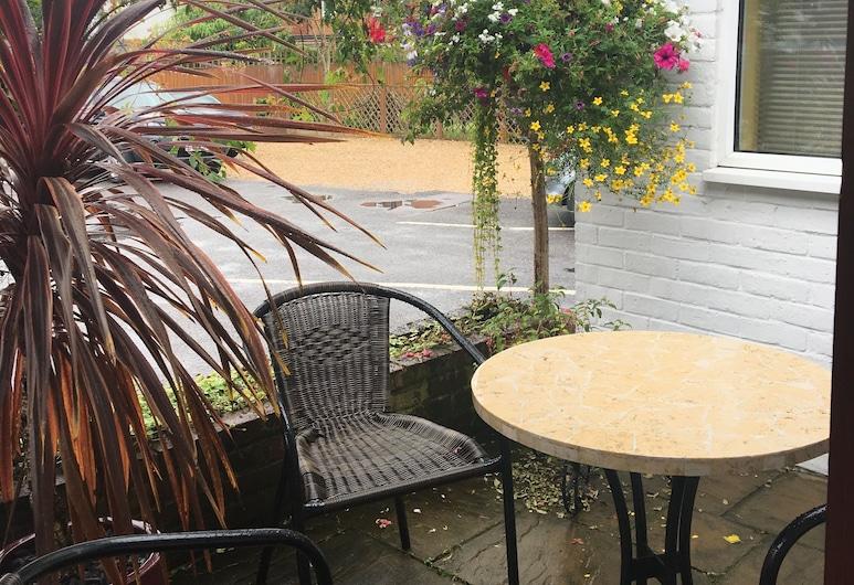 Penny Farthing Hotel, Lyndhurst, Bahçe
