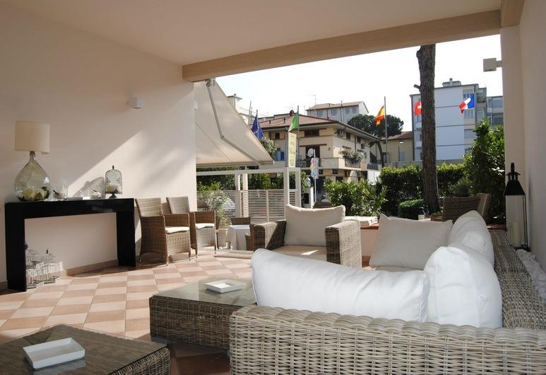 Villa Toscana, Camaiore, Vchod do hotela