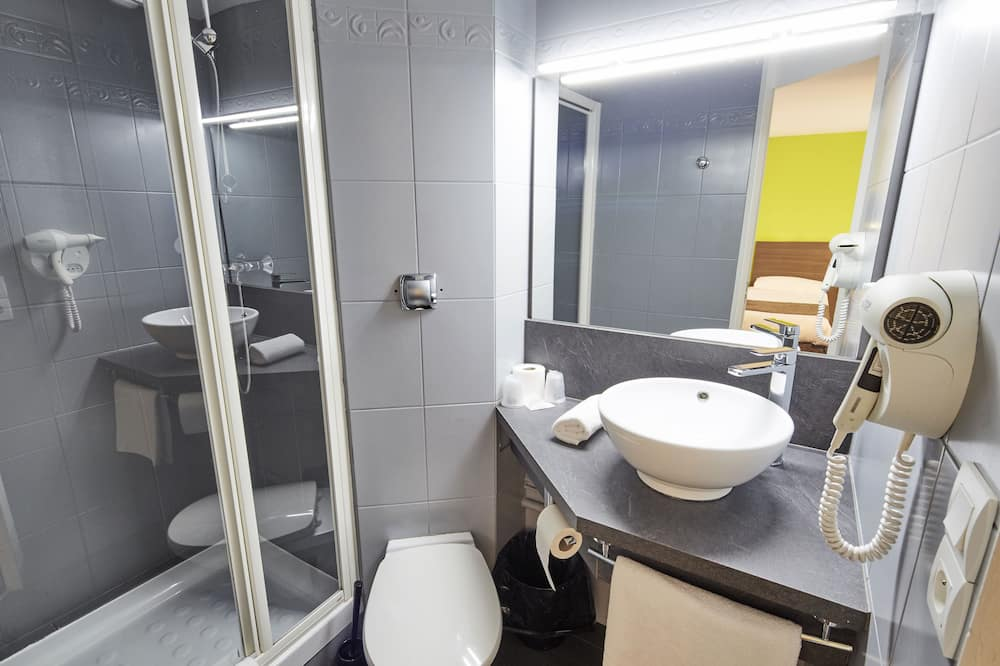 Standard room with double bed - Bathroom