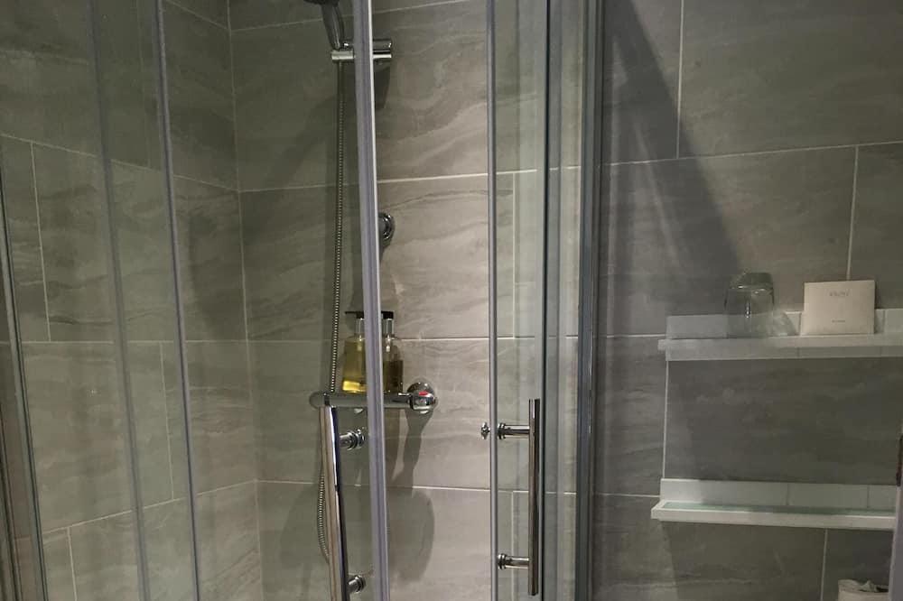 Kahden hengen huone, Makuuhuoneen yhteydessä oleva kylpyhuone (Compact) - Kylpyhuone