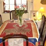 Basic Double Room Lyndon - In-Room Dining