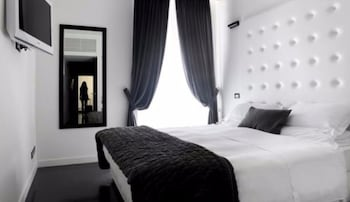 Picture of Pantheon Royal Suite in Rome