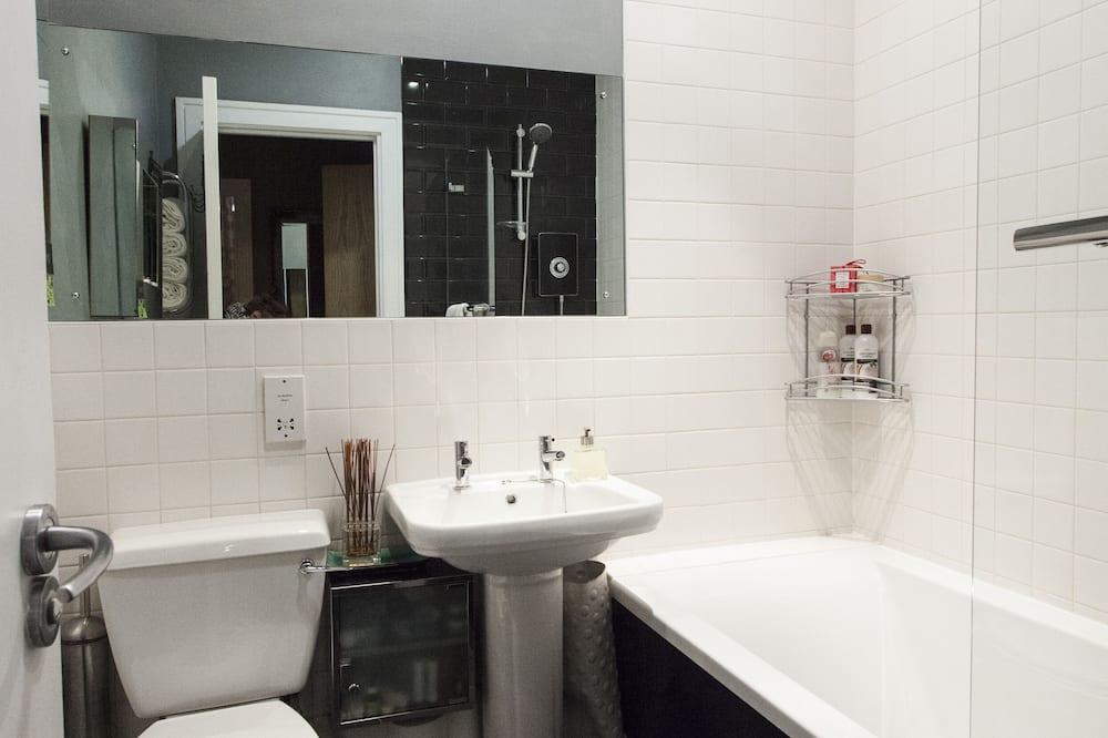 Komforta dzīvokļnumurs, privāta vannasistaba, skats uz pilsētu (Pad 2 - 1 bedroom) - Vannasistaba