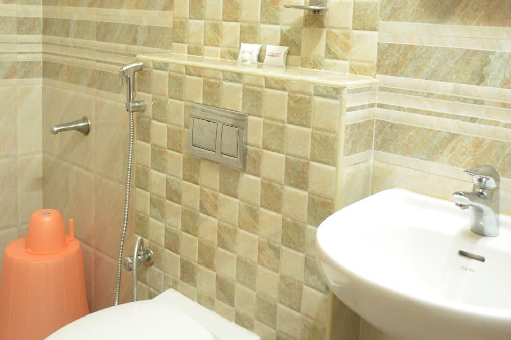 Standartinio tipo dvivietis kambarys (NON AC) - Vonios kambarys