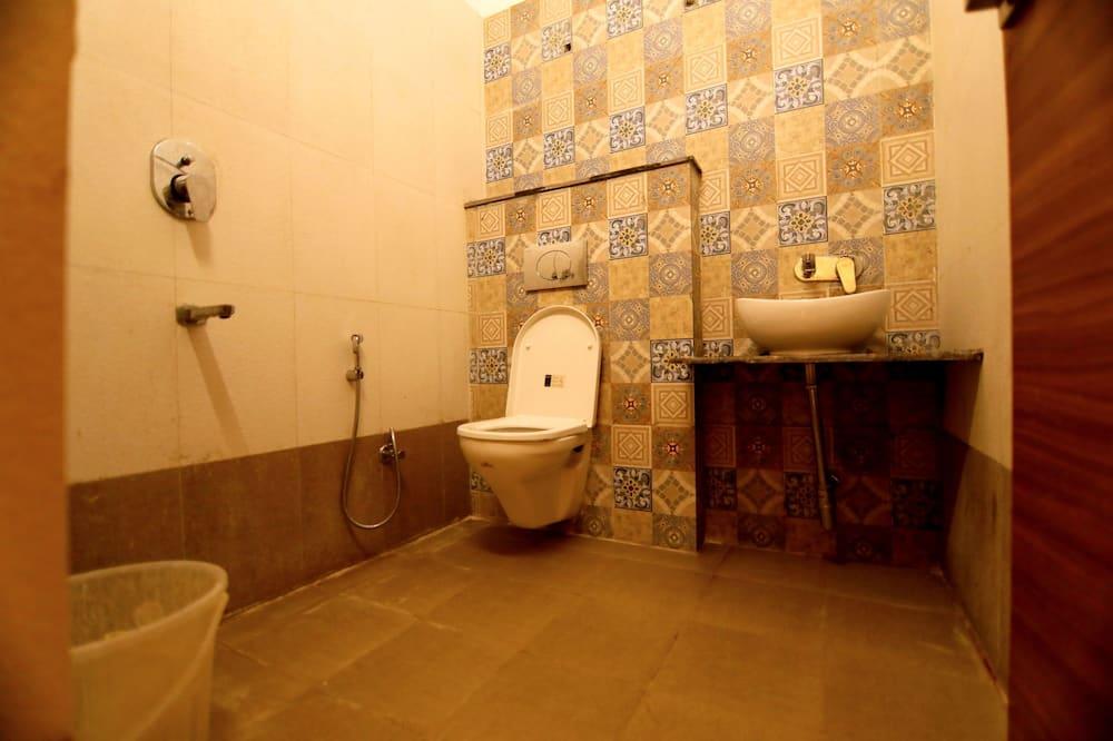 Karališkos klasės kambarys - Vonios kambarys