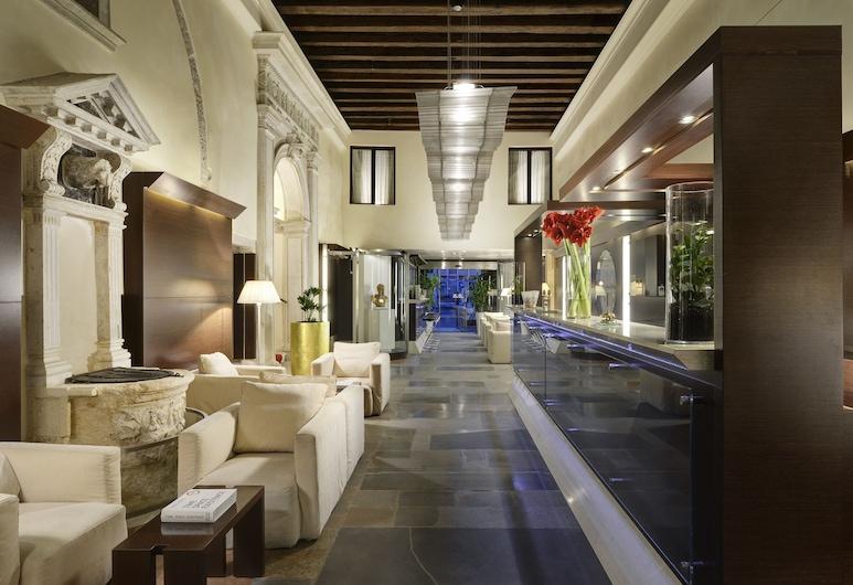 Hotel Palazzo Giovanelli e Gran Canal, Venice, Reception