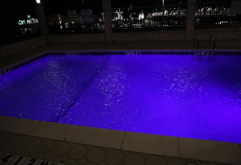 Motel 6 Tyler, TX, Tyler, Outdoor Pool