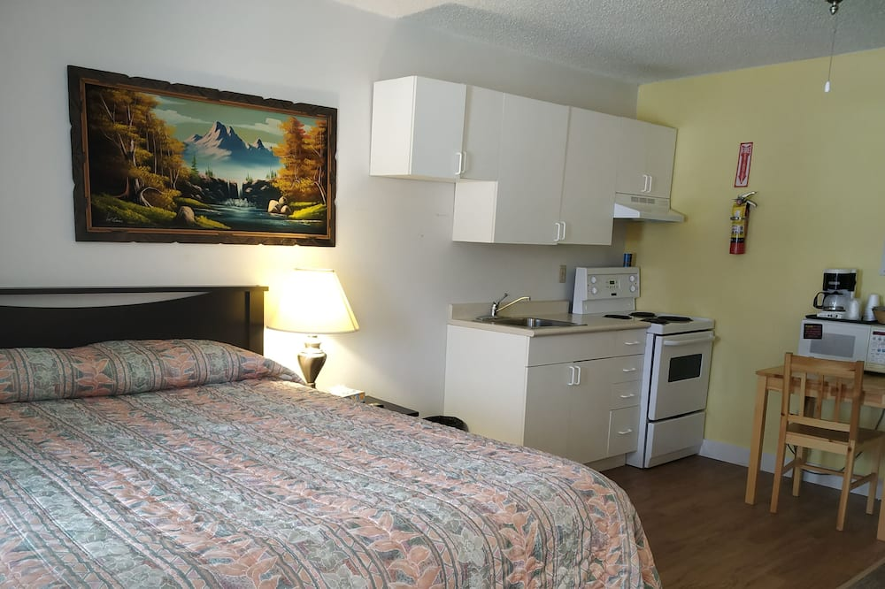 Phòng Deluxe, 1 giường cỡ queen, Bếp (Queen w/ Kitchen) - Khu phòng khách