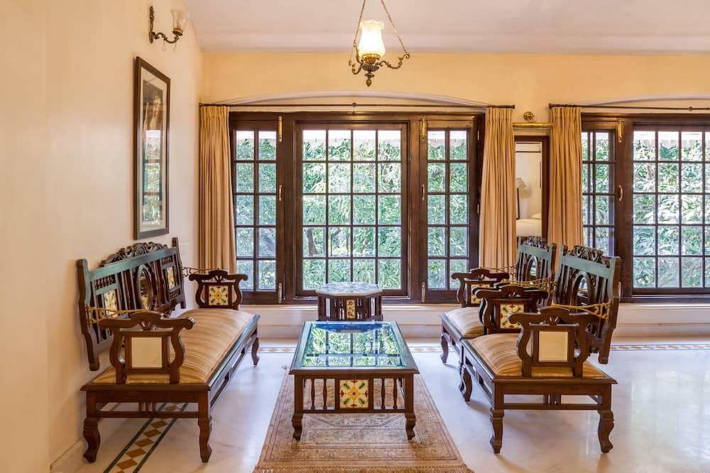 Victorian Suite - Living Area