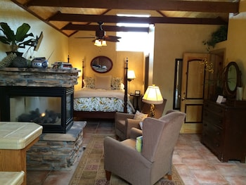 Picture of Creekside Bed & Breakfast in Paso Robles