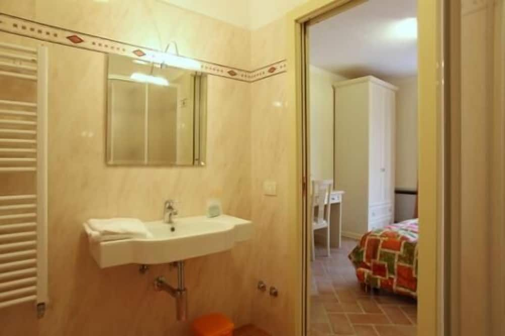 Doppelzimmer (Tulipano) - Badezimmer