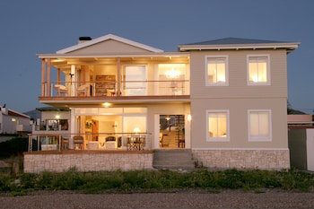 Picture of 138 Marine Beachfront Guesthouse in Hermanus