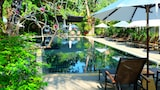 Choose This Pool Hotel in Sa Khu