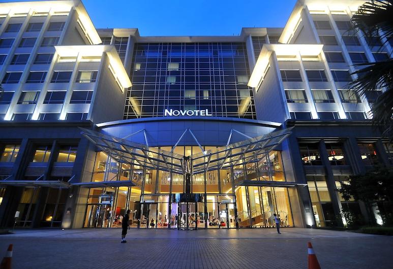 ノボテル 台北 タオユエン インターナショナル エアポート (台北諸富特華航桃園機場飯店), Taoyuan City, ホテル エントランス