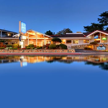 Picture of Monterey Bay Lodge in Monterey