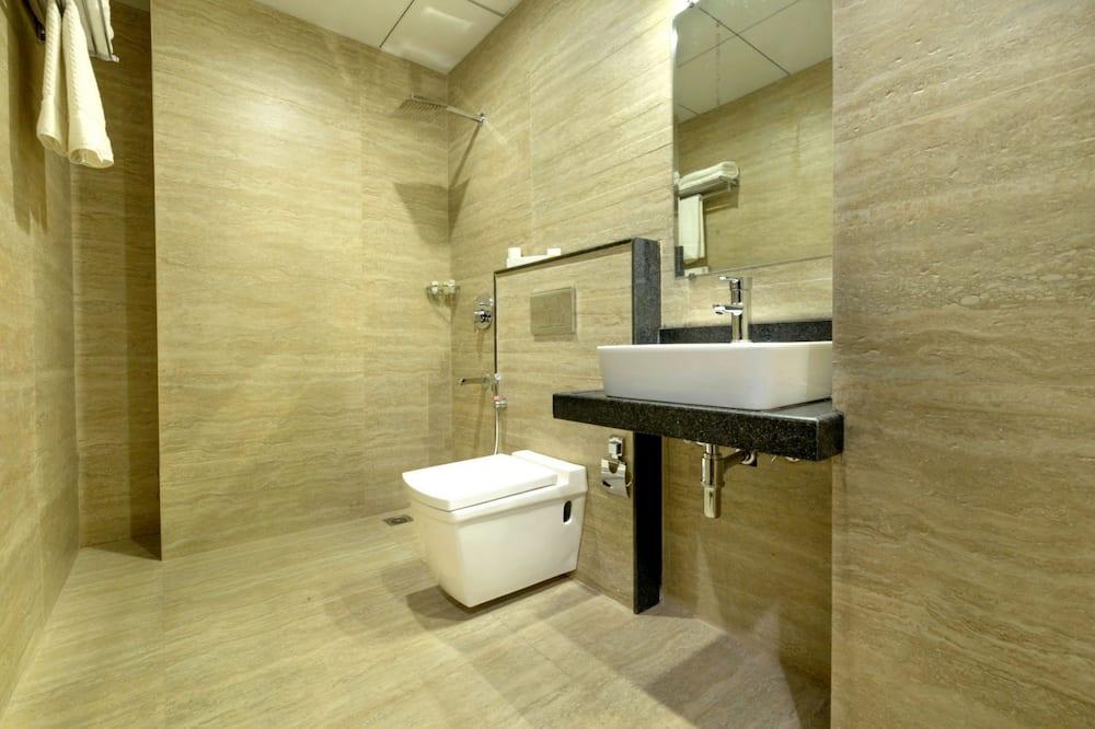Gold Room - Bathroom