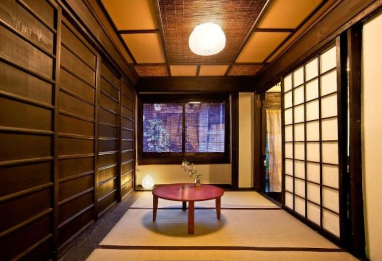 Guesthouse Setsugekka, Kyoto, Traditional Japanese House, Guest Room