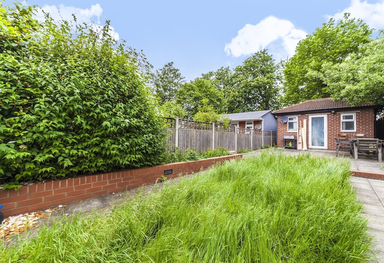 Lingwell Concept by Allô Housing, Londres, Jardim