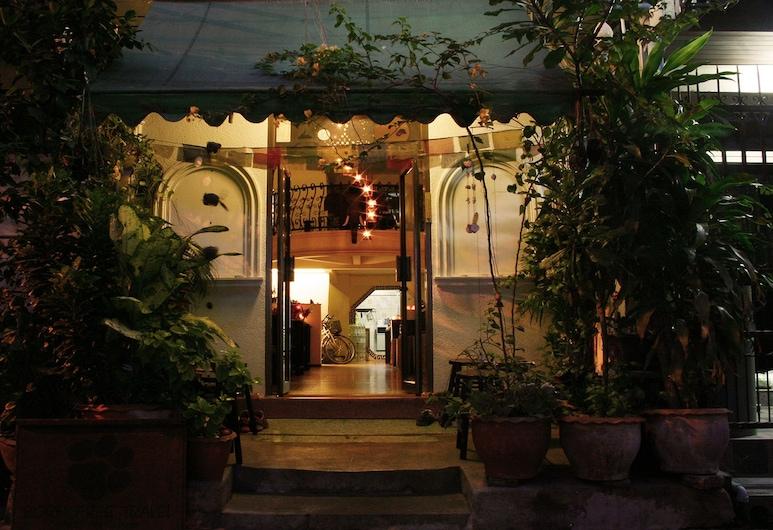 ボーン フリー ホステル, バンコク