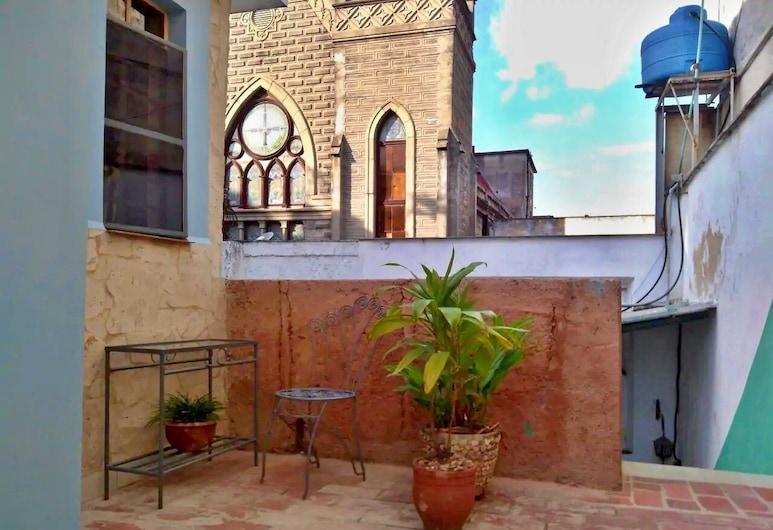 Casa Salud 215, Havanna, Kahetuba, Tuba