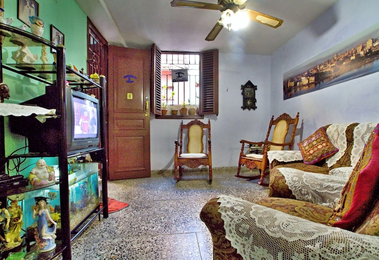 Casa la Gallega, Havana, Classic Triple Room, Multiple Beds, Non Smoking, Living Area