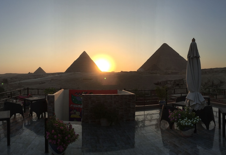 Pyramids Guest House, Giza