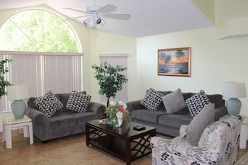 Kuva Charming 3 Bed Vacation Villa near Disney (174) by Dreams VR-hotellista kohteessa Kissimmee