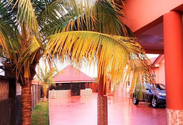Golden Simcha Hotel, Accra, Property Grounds