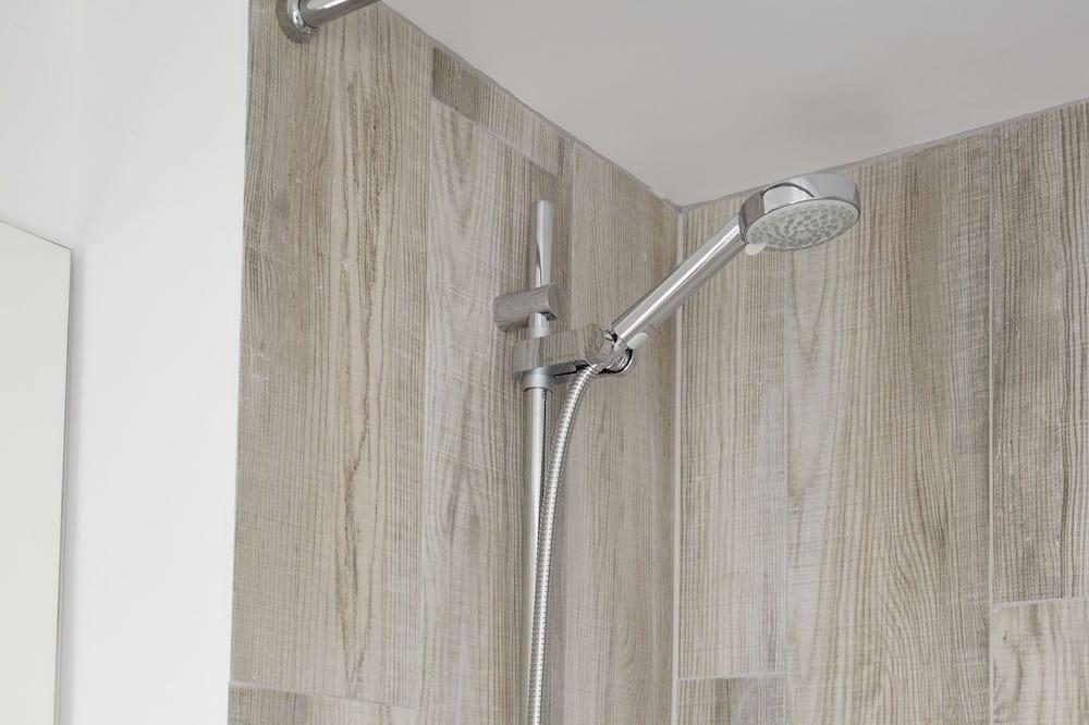 Standartinio tipo kambarys (1 dvigulė / 2 viengulės lovos) (Disabled Friendly) - Vonios kambarys