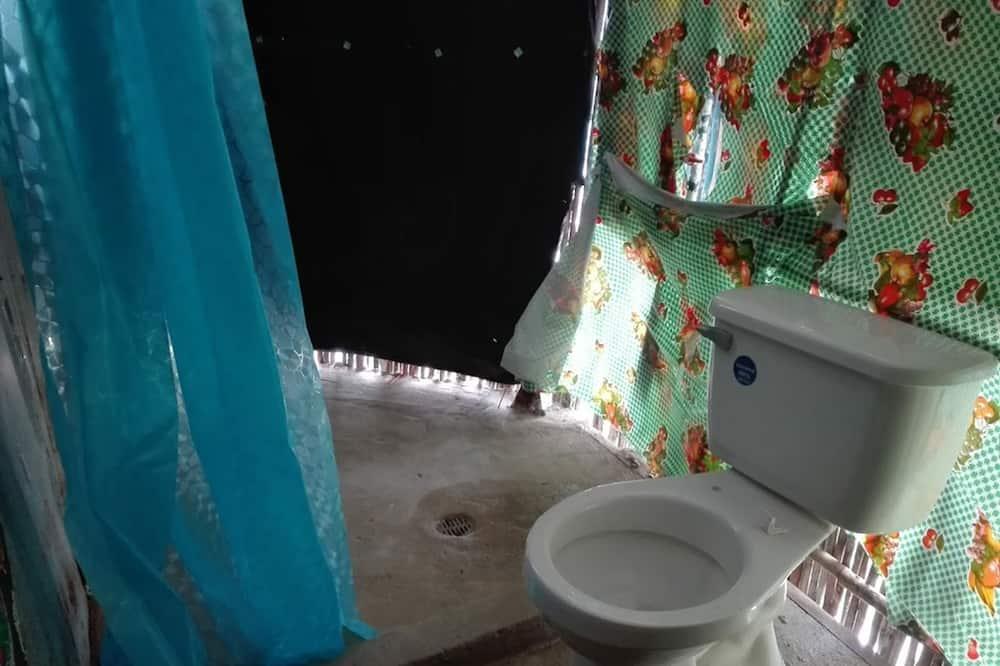 Basic Double Room, 1 Double Bed, Shared Bathroom - Bathroom