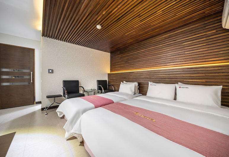 Q Hotel, Paju, Family Room, Guest Room