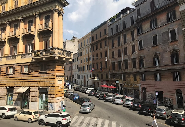 Elle Cavour Guest House, Rome, Deluxe Double Room, Guest Room View