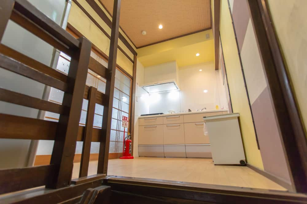 Private Vacation Home, 3 Bedrooms - Private kitchenette