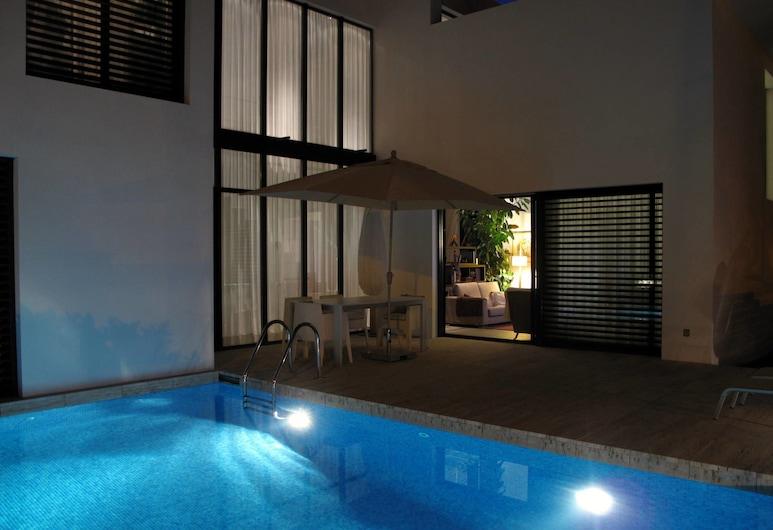 カサ カサブランカ, サンタ クリスティーナ デ アロ, 屋外プール