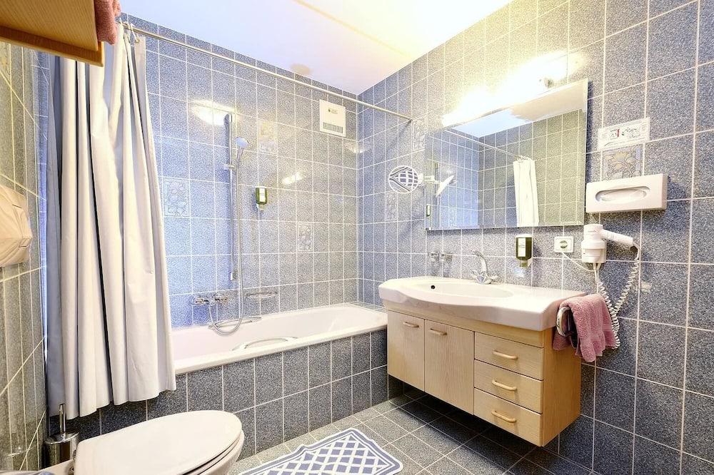 Apartmán, balkon (C) - Koupelna