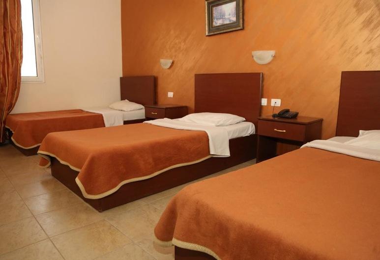 Rumman Hotel, מדבה, חדר לשלושה, חדר אורחים