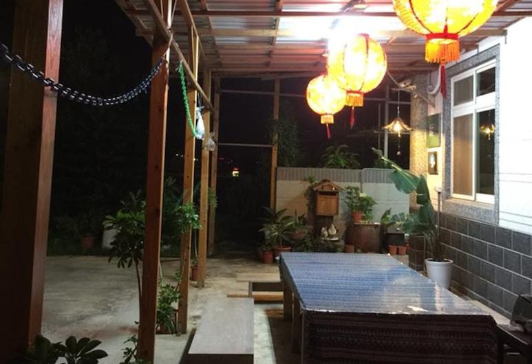 Pu Jhen Homestay, Jinning, Hotel Front – Evening/Night