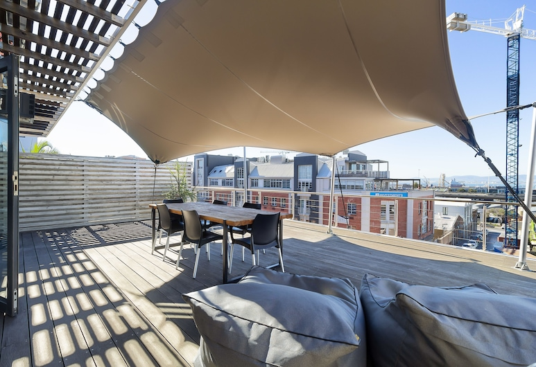 Hillhouse 302 - Near Two Oceans Aquarium, Cape Town, Comfort Apartment, 2 Bedrooms, Balcony, City View, Balcony