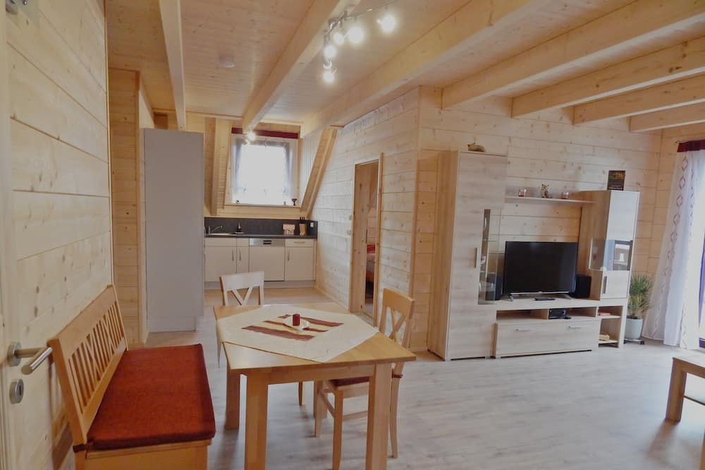 Comfort Condo, 2 Bedrooms, Non Smoking - Living Area