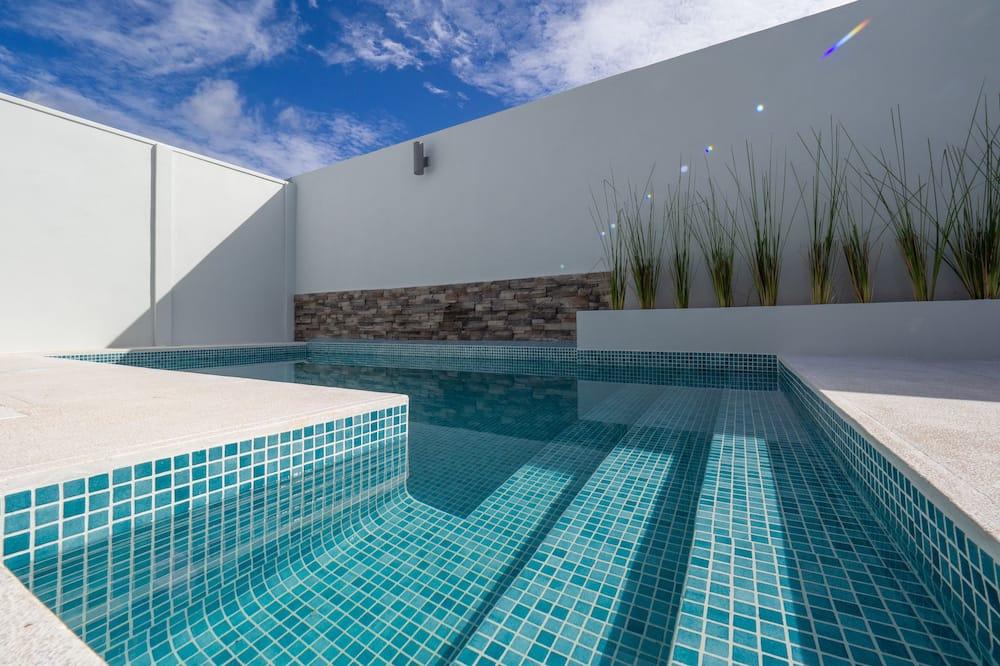 尊尚單棟房屋, 2 間臥室, 非吸煙房, 泳池景 - 客房景觀