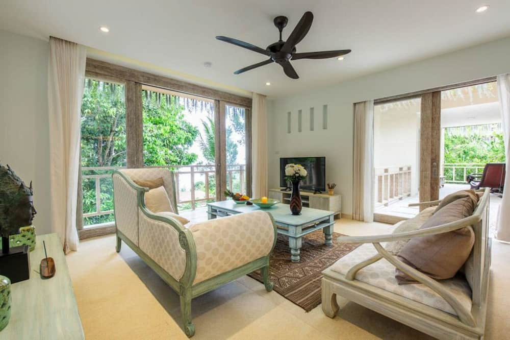 3-Bedroom Villa with Private Pool and Ocean View - Oda