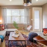 Spacious 3br/3ba Minutes From DT by Domio