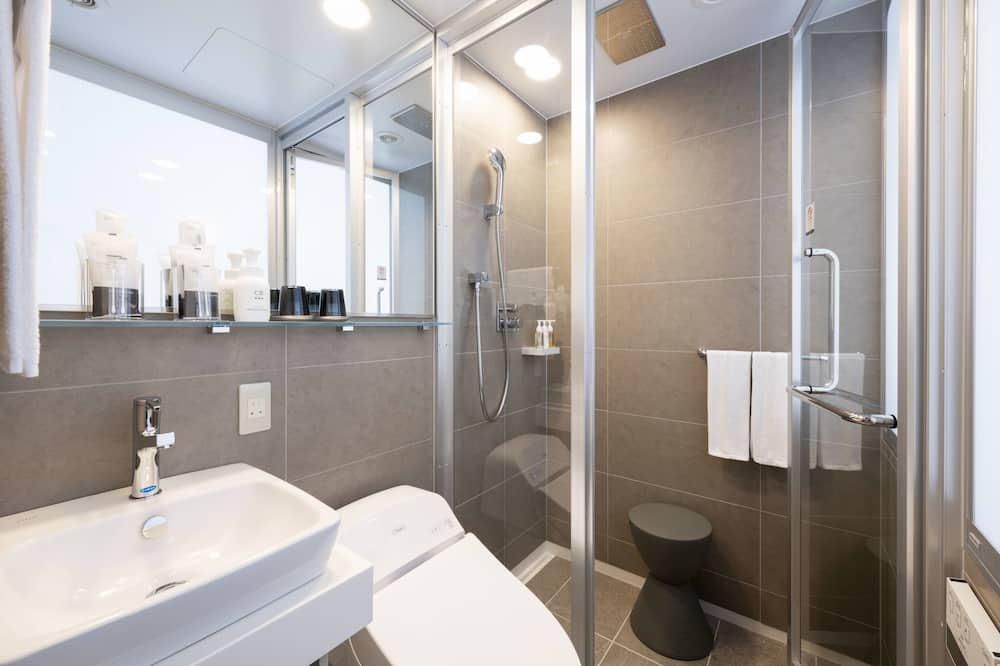 Economy Double Room Non-Smoking - Bathroom