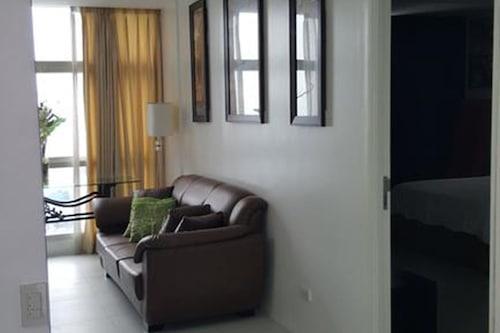 雙橡樹廣場公寓飯店/
