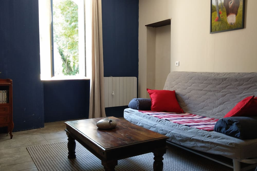 Cottage, 2 Bedrooms (Combrailles) - Living Area
