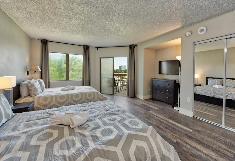Apartment & Town Homes Close to Disney, Kissimmee