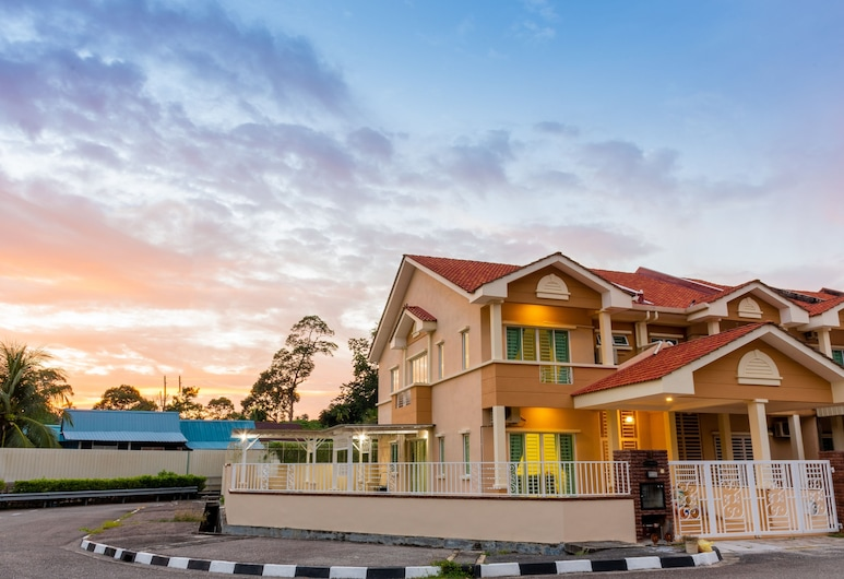 Tropikal Natura Lodge by D Imperio, George Town