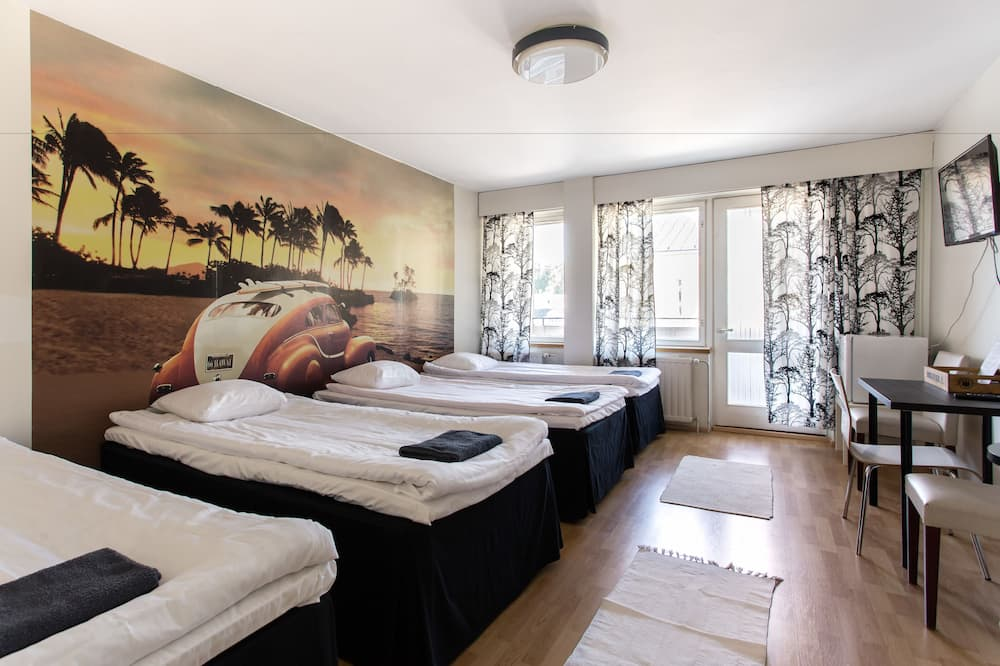 Quadruple Room, Multiple Beds, Non Smoking - Guest Room